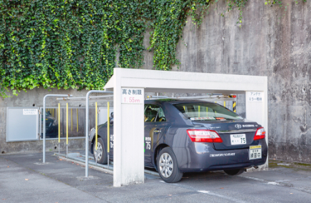 タワー式駐車場の写真